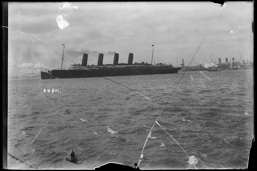 Лузитания в 1915 г.